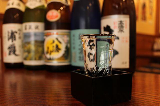 日本酒とグラス